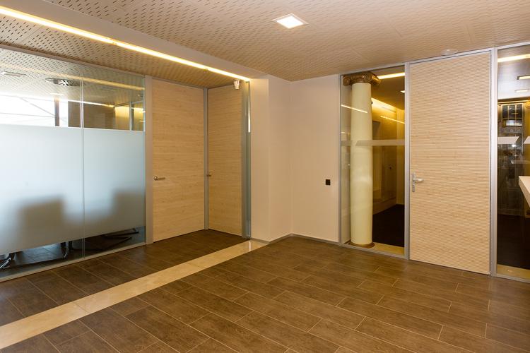Oficinas corporativas banco unnim bbva artis for Oficinas de la caixa en bilbao